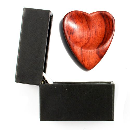Heart Tones Padauk Guitar Pick in a Gift Box